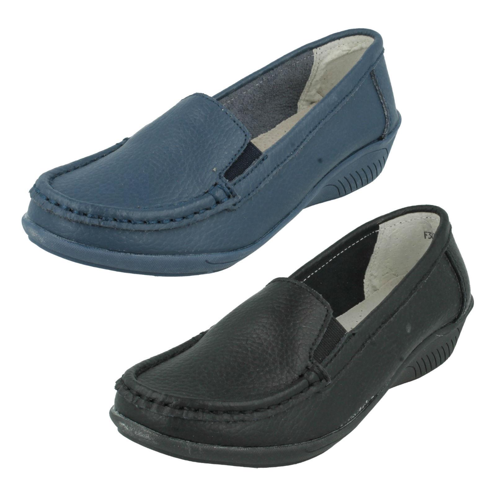 las señoras Eaze Cuña Baja Lona Doble Sin Cordones Cordones Cordones Piel lisa negro y azul marino 809820