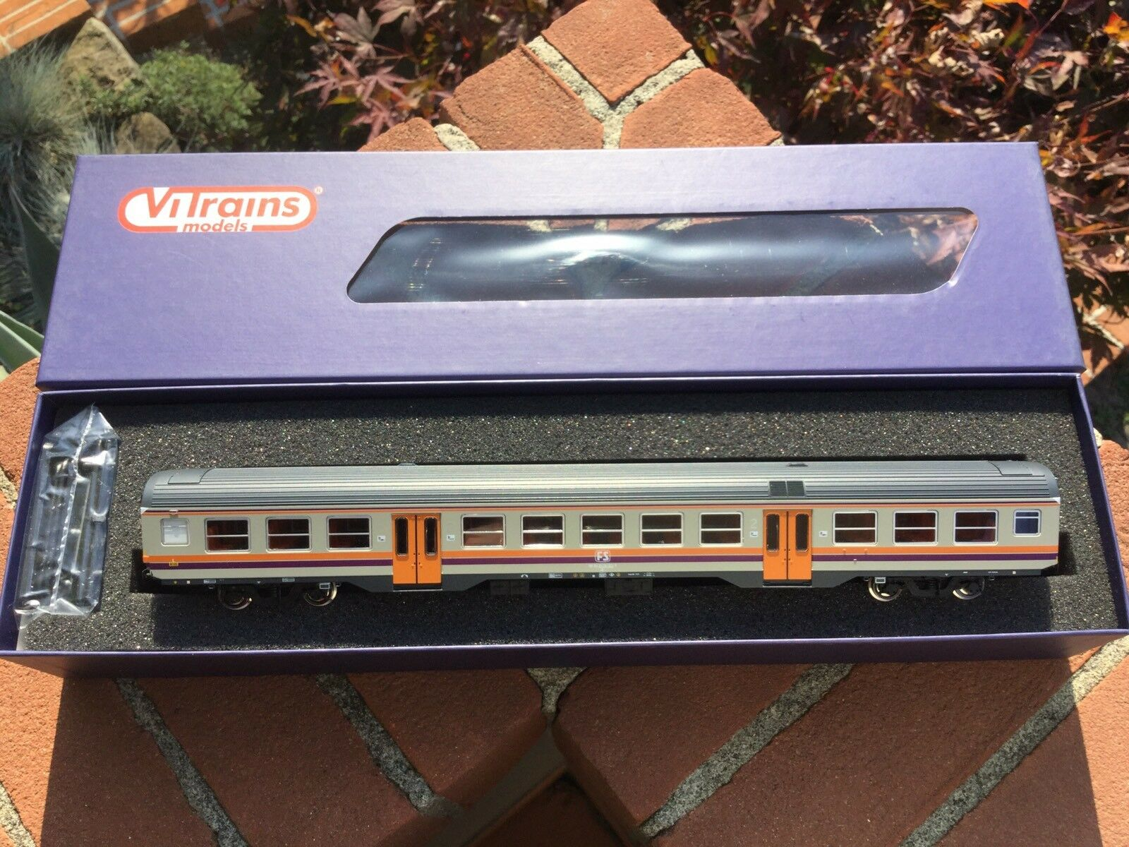 VIi treni 3064 autorozza MDVC  livrea d'origine 2 classee fs