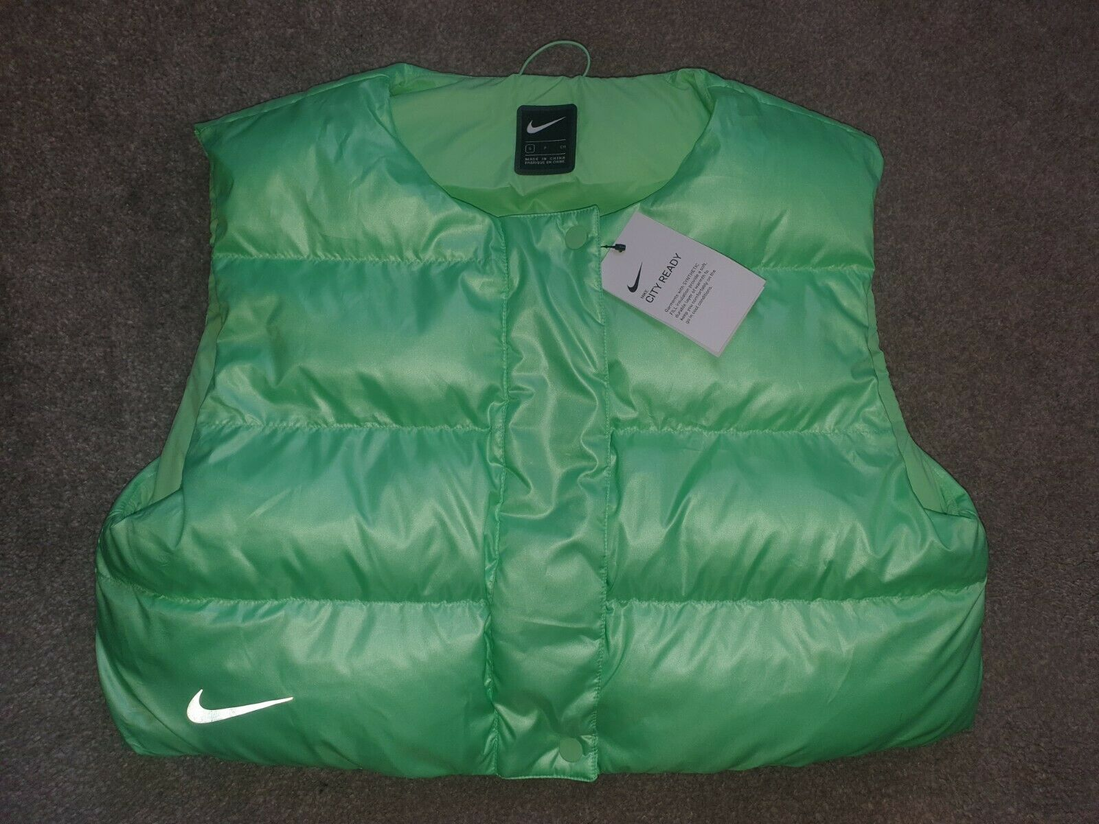 Nike Women's Small Aphid Green City Ready Synthetic Fill Gilet/Sleeveless Jacket