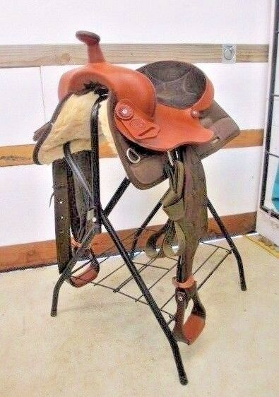 NEW COURTS SYNTHETIC WESTERN SADDLE 14.5 SEAT, SEMIQH BARS LATIGO OFFBILLET