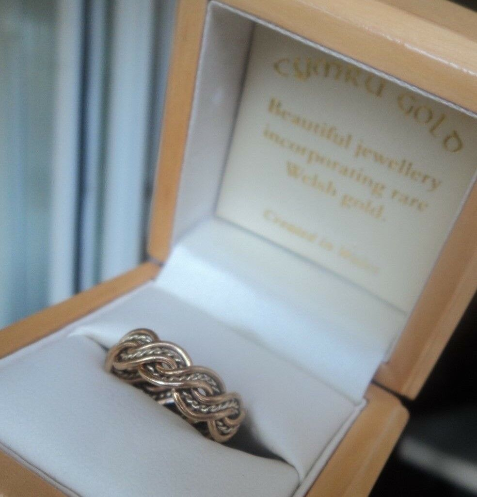 Attractive Welsh 9ct pink & Yellow gold Celtic Weave Ring Cymru Y Metel - size L