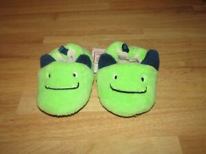 Infant boys slippers size 5 -green