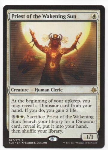 MTG Ixalan Rare Priest of the Wakening Sun NBP M-NM
