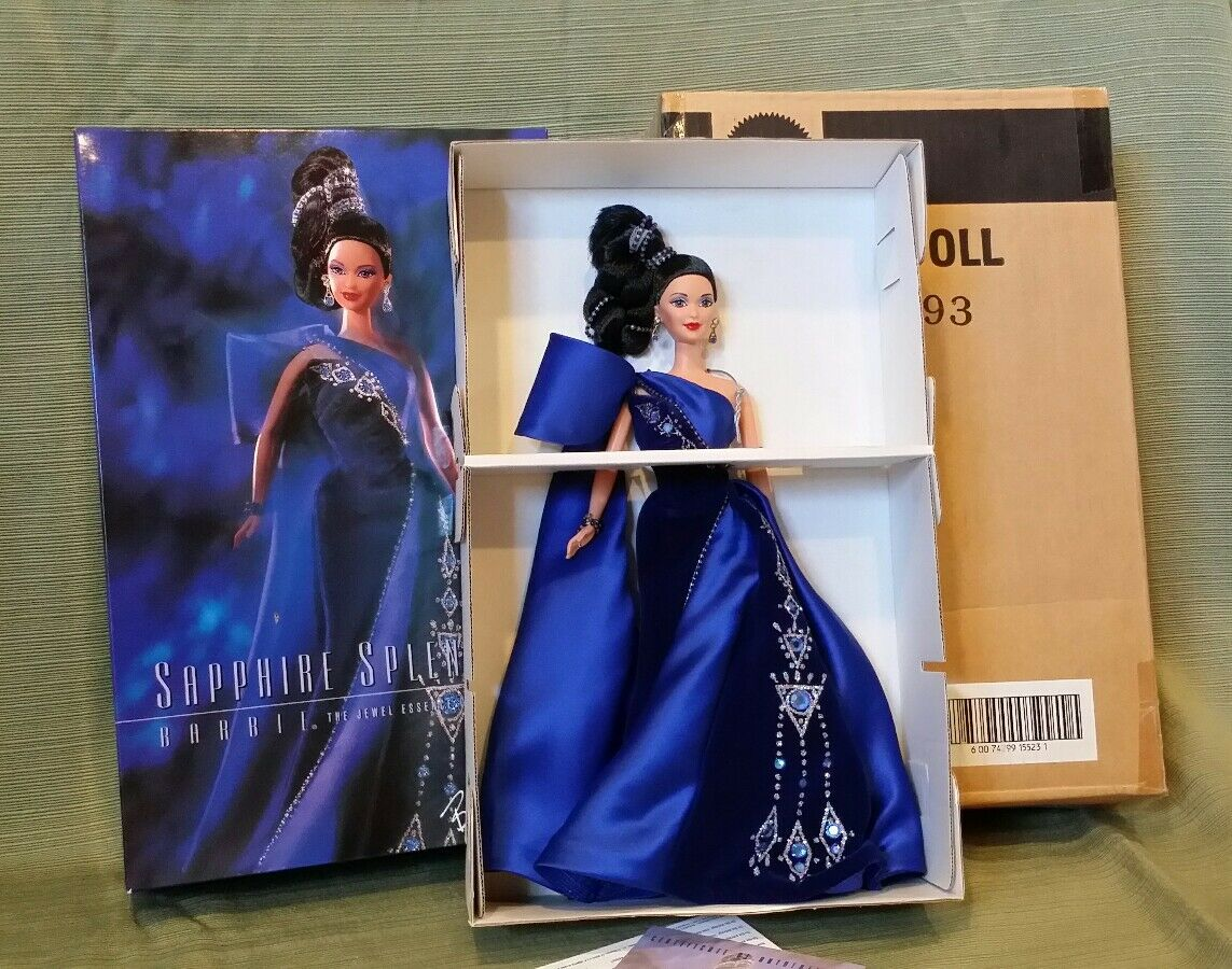 Barbie Zafiro esplendor  Joya esencia Colección por Bob Mackie  Nuevo Sin Usar, En Caja