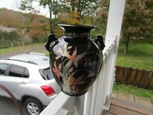 LOVELY-Black-Floral-Oriental-Vase-marked-Fine-China-Japan-very-nice