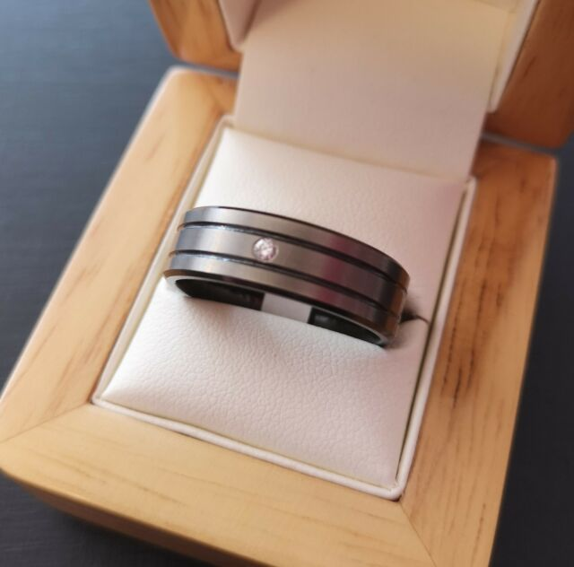 ***REDUCED*** Mens Zirconium Double Groove with Single Diamond Ring - Size T