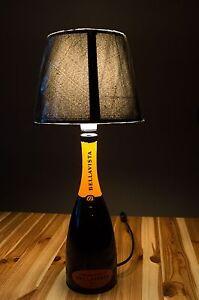 Lampada-da-tavolo-design-bottiglia-vino-spumante-Franciacorta-Bellavista