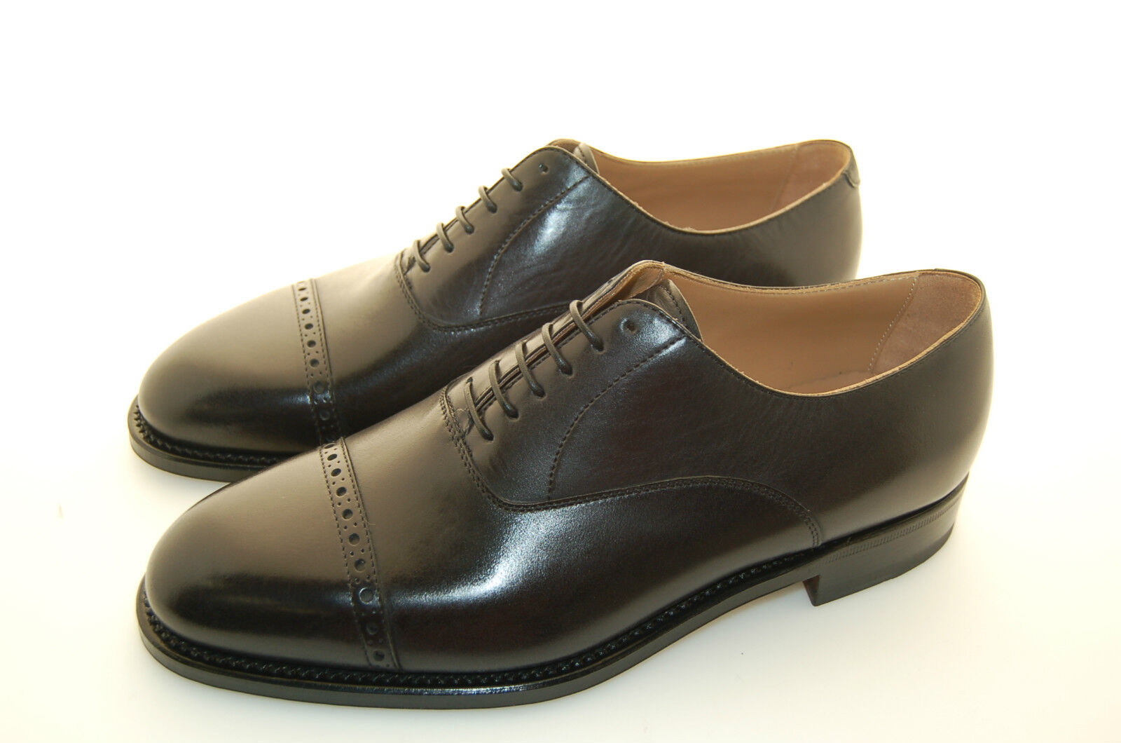 MAN - 41½ - 7Eu - OXFORD CAPTOE W. PERFS - CALF BLACK - LEATHER SOLE