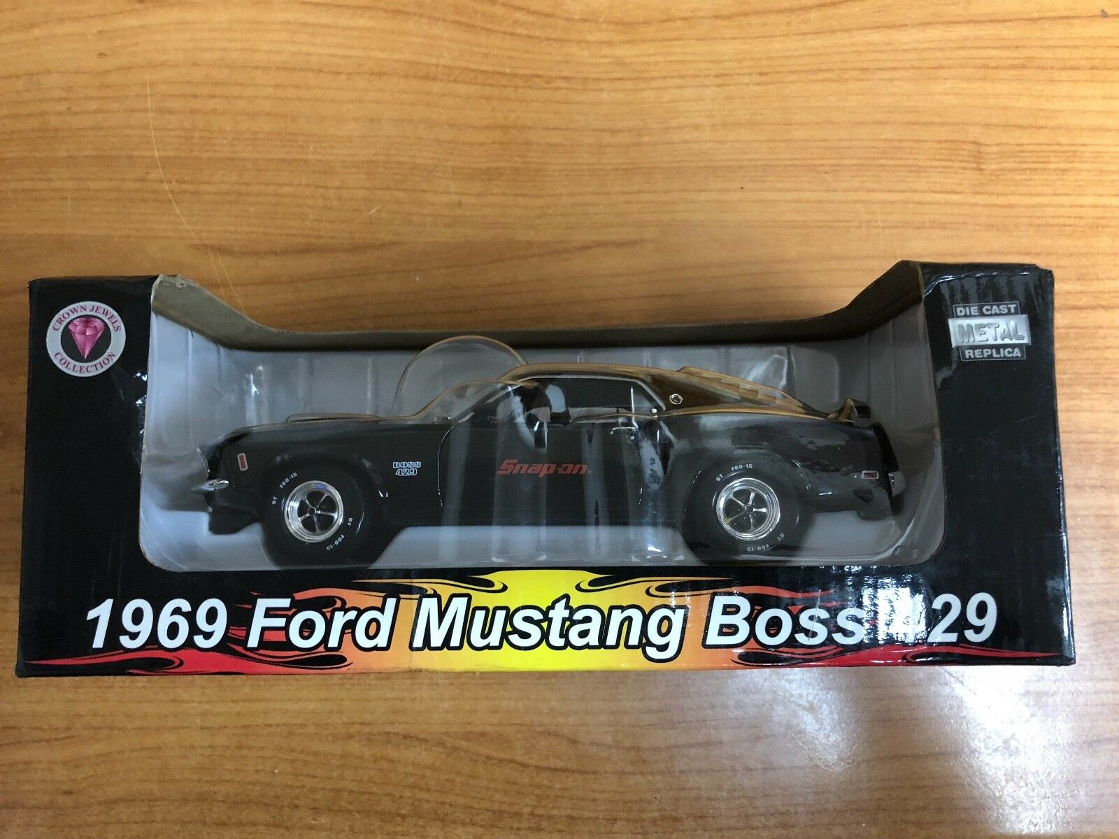 Snap on 1969 Ford Mustang Boss 429 1 24 Scale Die Cast