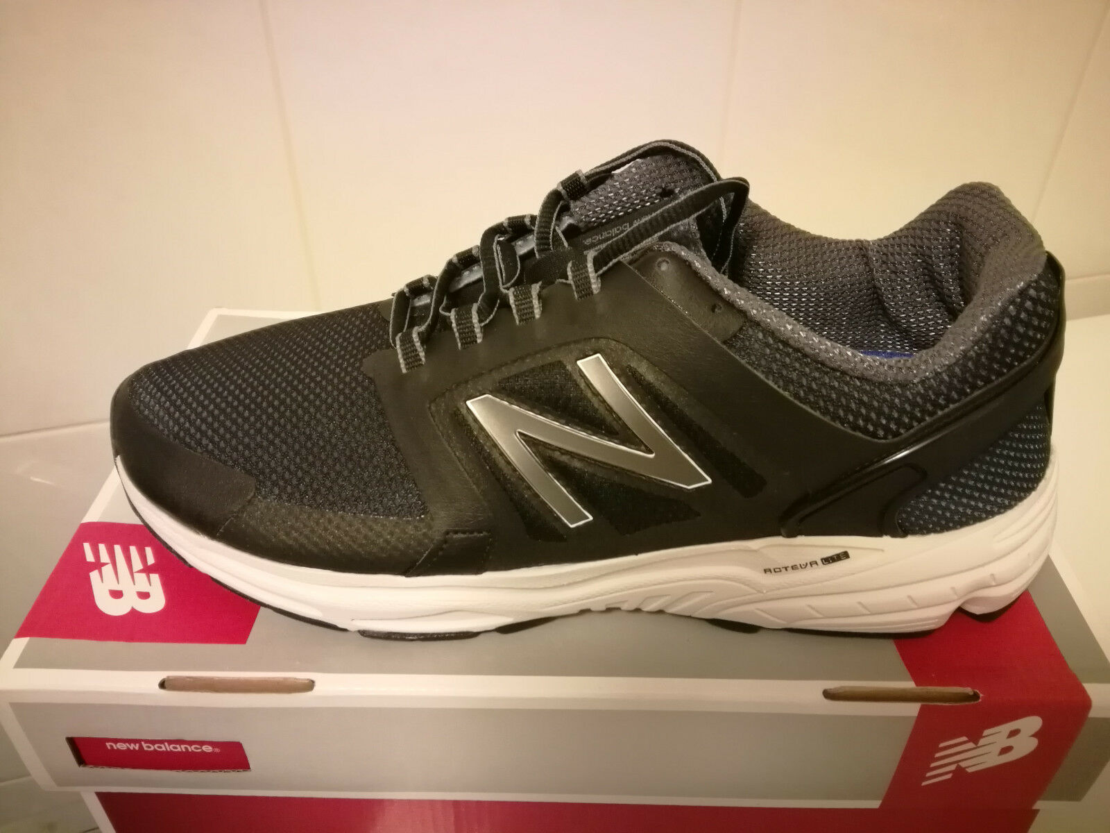 New  Mens New Balance 3040 Running Sneakers shoes shoes shoes 11.5 EE Wide 01e066