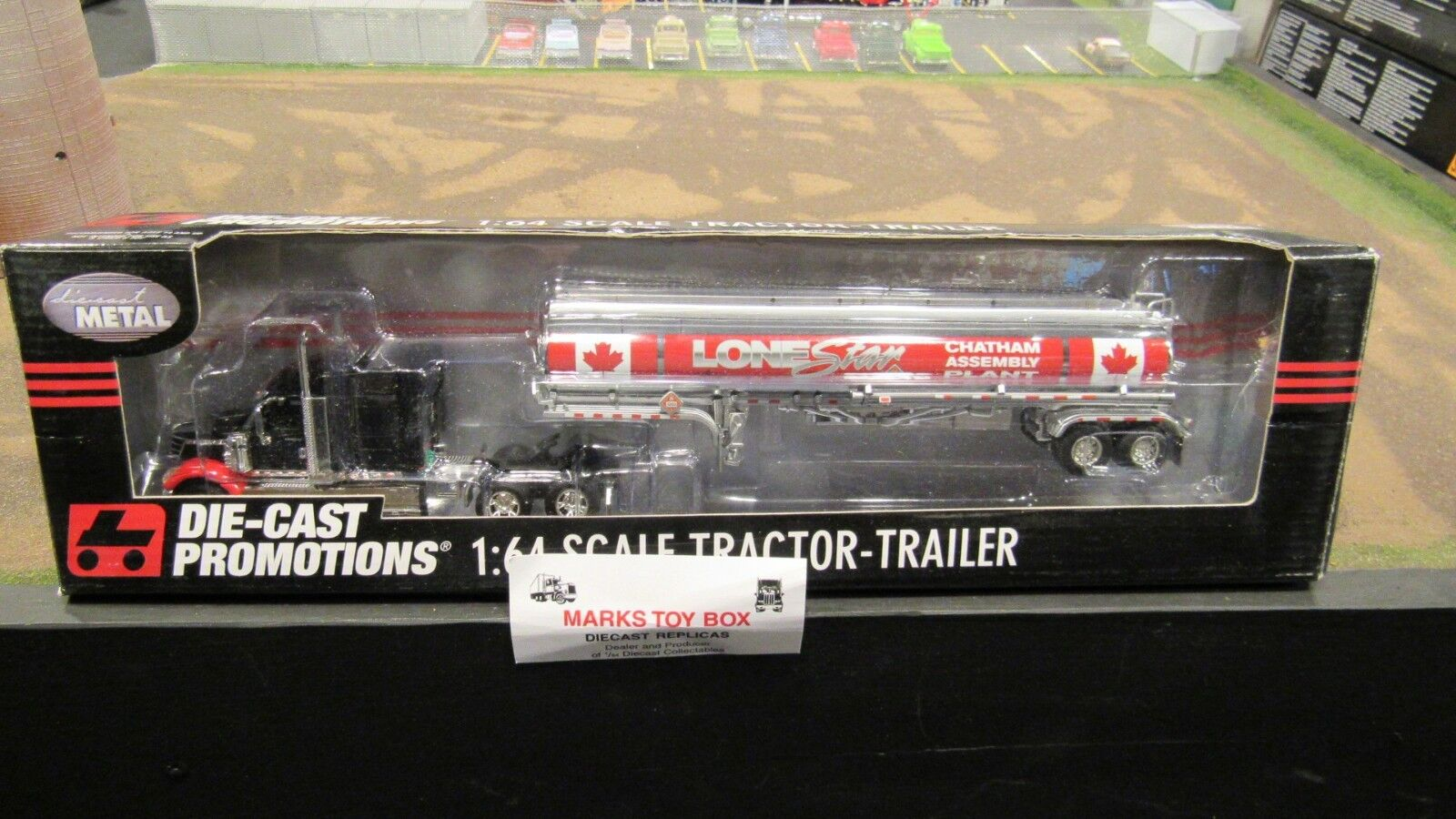 DCP  31695 CHATHAM ASSEM PLANT INTERNATIONAL IH LONESTAR TANKER TRAILER 1:64/ FC