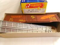 Ho Train Roundhouse 50' Box Car Kit Western Pacific Wp Die-cast Metal Floor Mint