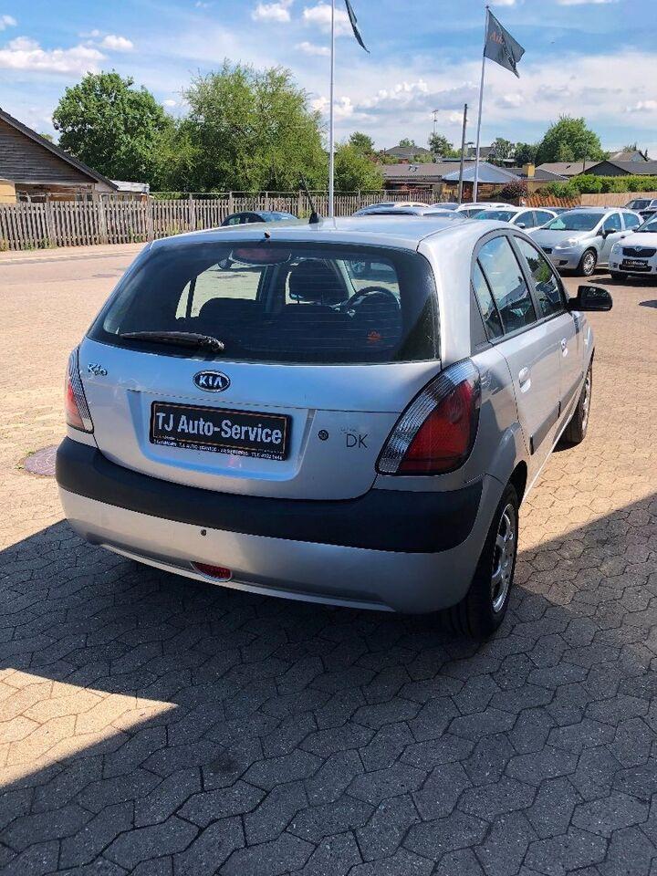 Kia Rio 1,4 EX Benzin modelår 2007 km 159000 Sølvmetal