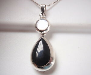 Reversible-Black-Onyx-and-Mother-of-Pearl-925-Sterling-Silver-Teardrop-Pendant