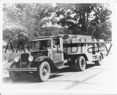 1933 International Harvester A60 Truck, Coca-Cola, Factory Photo (Ref. #48223)
