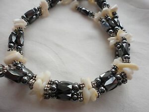 Hematite-faceted-lozenge-beads-mother-of-pearl-chips-60-gram-34-lariat-necklace