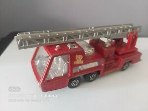 MATCHBOX-SUPERKING-K-9-FIRE-ENGINE-DENVER-FIRE-DEPARTMENT-AS-PHOTOS