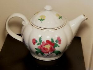 Laura-Ashley-White-w-Pink-amp-Yellow-Floral-Porcelain-034-PARFUMS-034-Lidded-Teapot