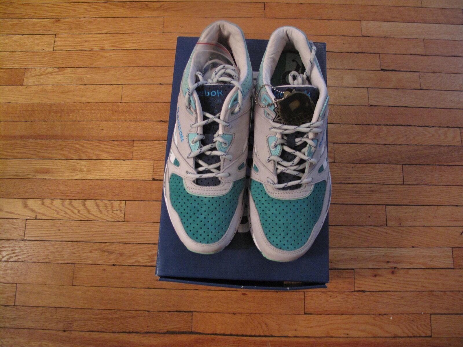 Mens Reebok Ventilator CNT  Sneaker Politics  Size 8 Snowy Grey Emerald