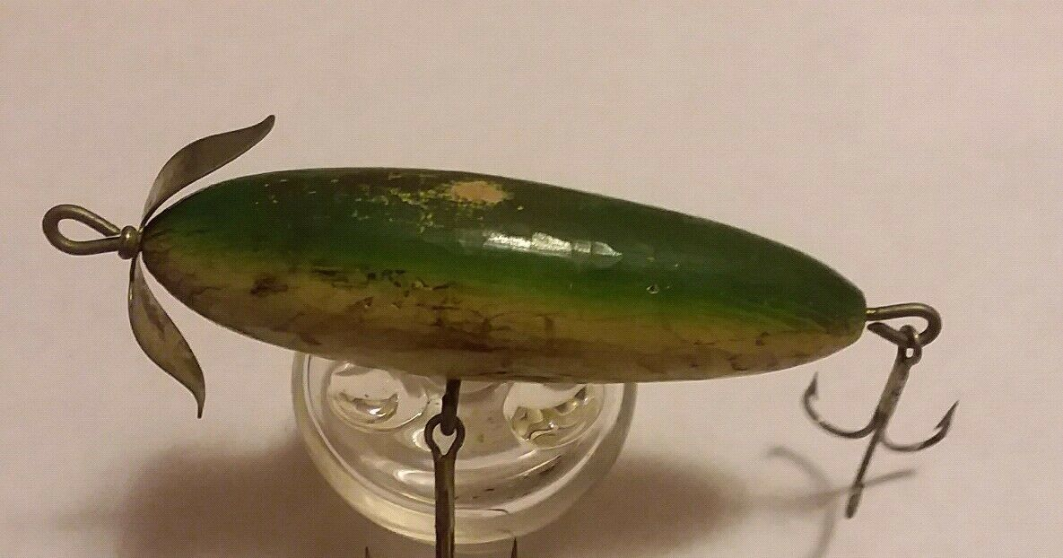 EARLY SOUTH BEND NO EYE SURFACE MINNOW 950  FISHING LURE Wood Green White Belly  save up to 70%