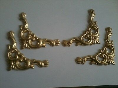 Decorative Resin Moulding - Set of 4 Decorative Corners - Gold Painted Finish