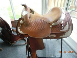 "Crates Western Show Saddle 15.5 - 16"", matching breast collar"