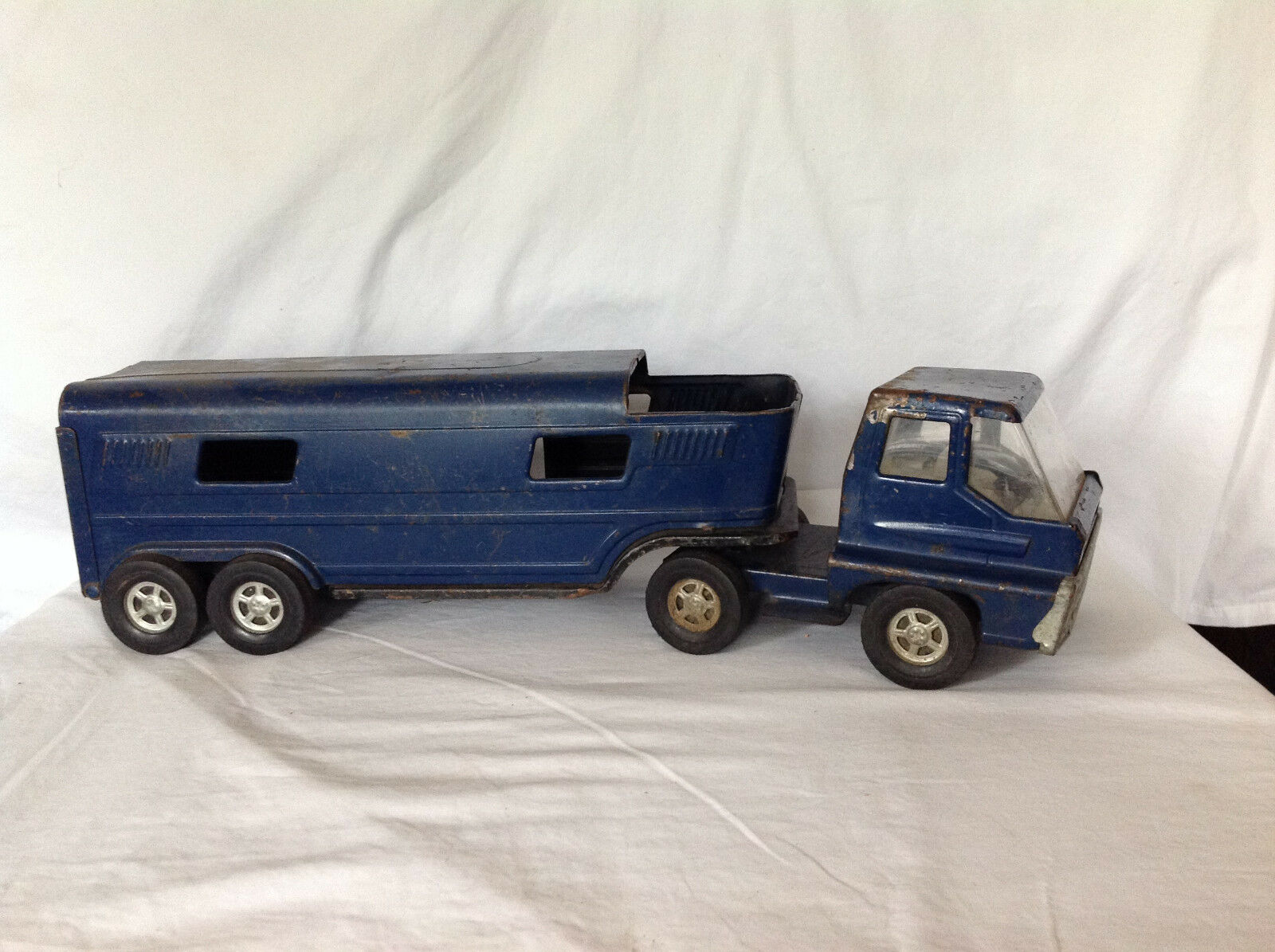 Early ERTL 1960's bleu Semi Horse Trailer - Dyersville Iowa USA