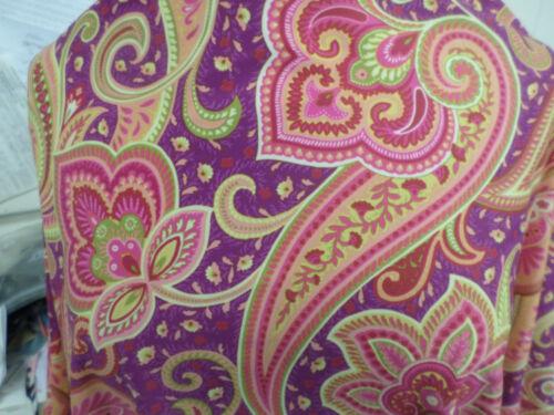 1 yd printed   fabric good weight 4 way spandex lycra USA J5040