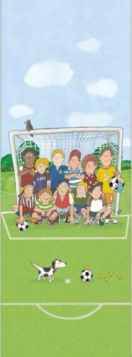 Wandbild Kinder Fußballplatz grün hellblau Jonas Kötz Marburg 46504 7,90€//1qm