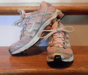 8207b0e6bdee Women s Nike Turbo Shox year 2011 Size 8.5 Pink   Silver   White ...