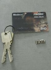 Medeco M3 6 pin Card with 2 keys and matching bottom pins. LOCKSMITH