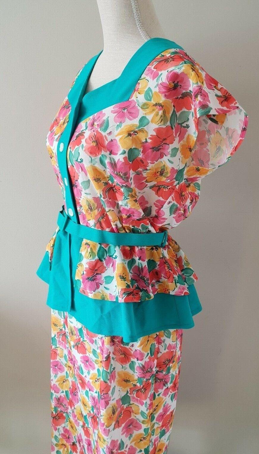 Vintage Dress Colourful Floral Dress in Vintage Style
