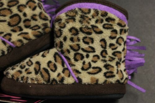 KICS  cool slippers 5-6 7-8 9-10 TODDLER SHOE SIZE LEAPORD NON SKID COMFY