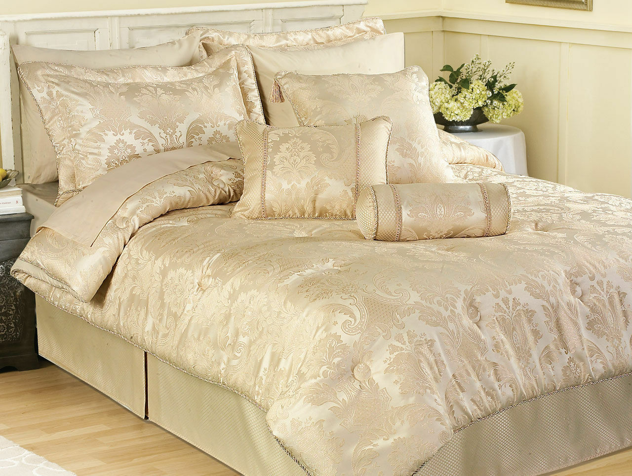 Carrington Ivory Cream Luxury Comforter Duvet Bed Linen All Größes