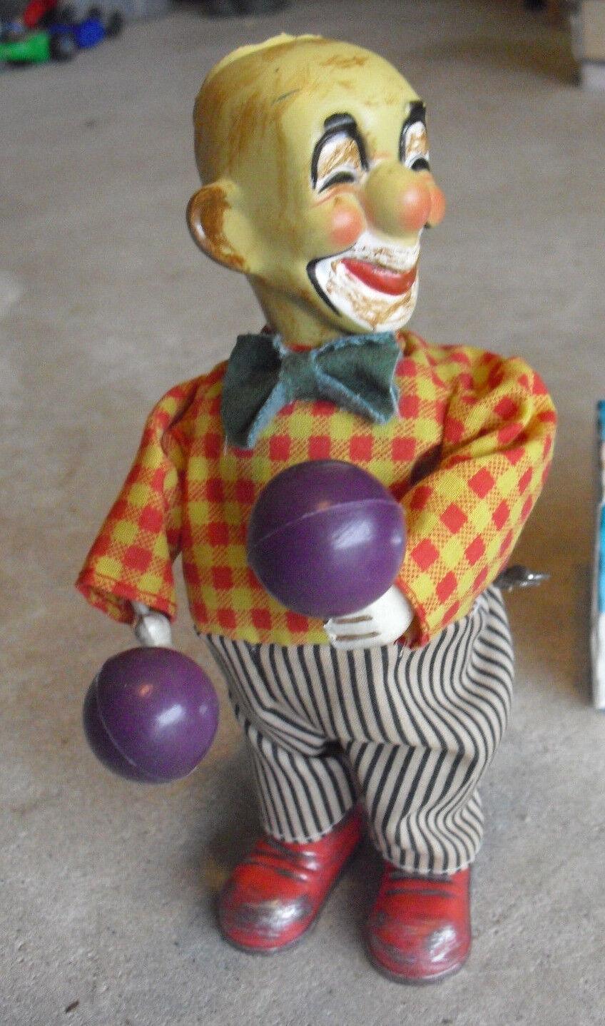 ODD  Vintage 1950s Plastic Wind Up Clown Toy 6 3 4  Tall