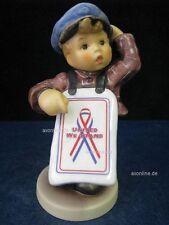 "Goebel Hummel Figur, Hum 2153 ""Neuigkeiten"" United We Stand God Bless America"