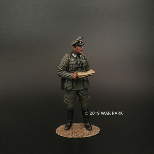 WAR PARK MINIATURES 1:30 WW2 GERMAN KU025 PANZERGRENADIER TANK CREW SITTING