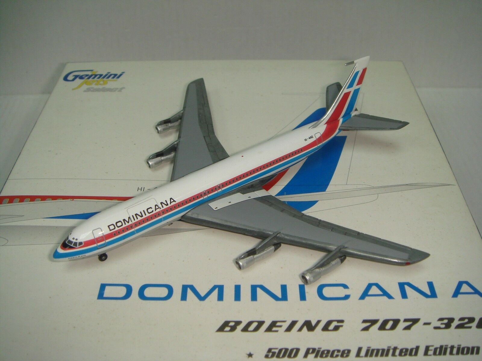 Gemini Jets 400 Dominicana Airlines B707-300C  1980s colors  1 400