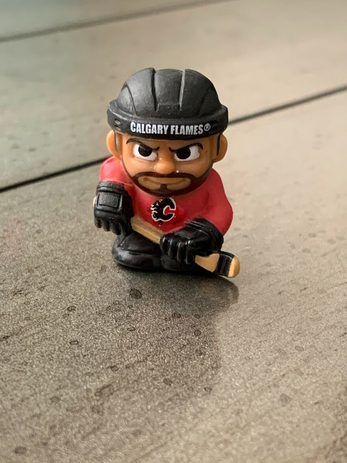 "SAM BENNETT Calgary Flames 2.5/"" Series 2 Silver NHL Imports Dragon Figure LOOSE"