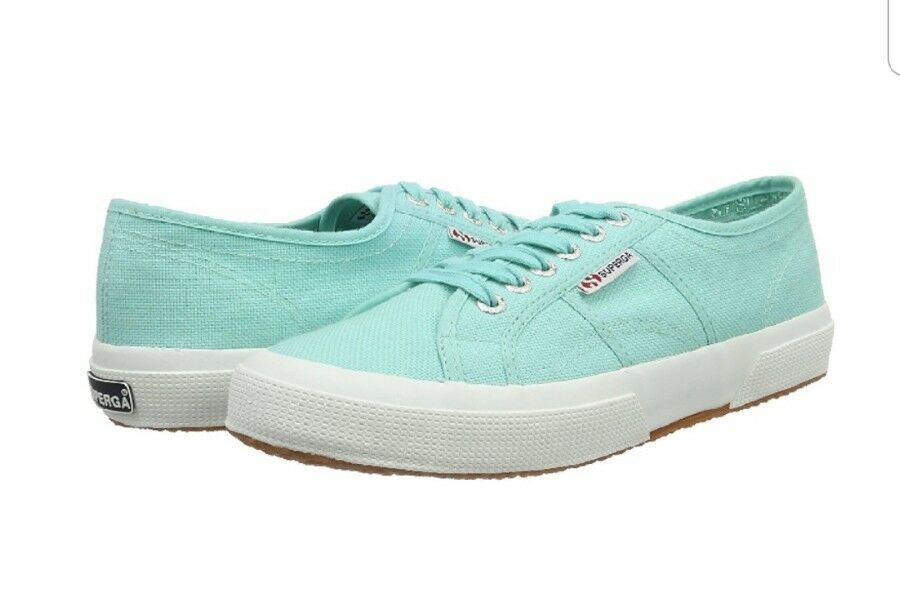 Superga 2750 Cotu Classic Canvas  Chaussures  in Green