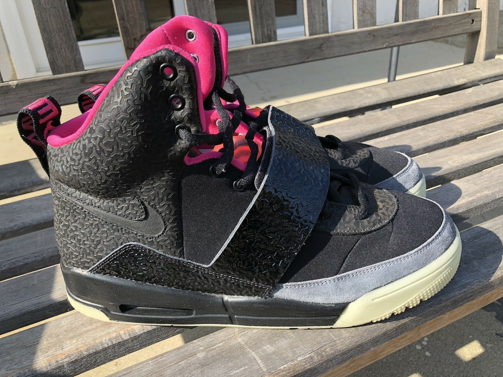 innovative design ab41c be04a Nike Air Yeezy Blink Black Pink 2009 Size 10.5 100% AUTHENTIC Kanye West