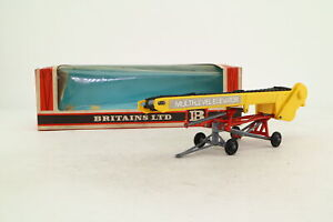 Britains 9564; Multi Level Bale Elevator; Red & Yellow; Very Good Boxed