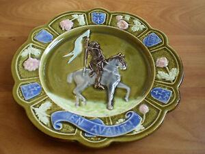 Plate-Slip-Jeanne-D-039-Arc-Fives-Lille-Bruyn-Ceramic-Antique-Deco-TB2