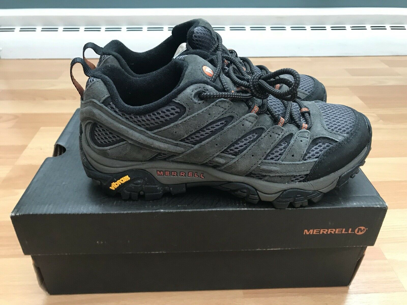 NWIB Merrell Men's Moab 2 Vent Hiking shoes, Beluga, (Size 7 M)