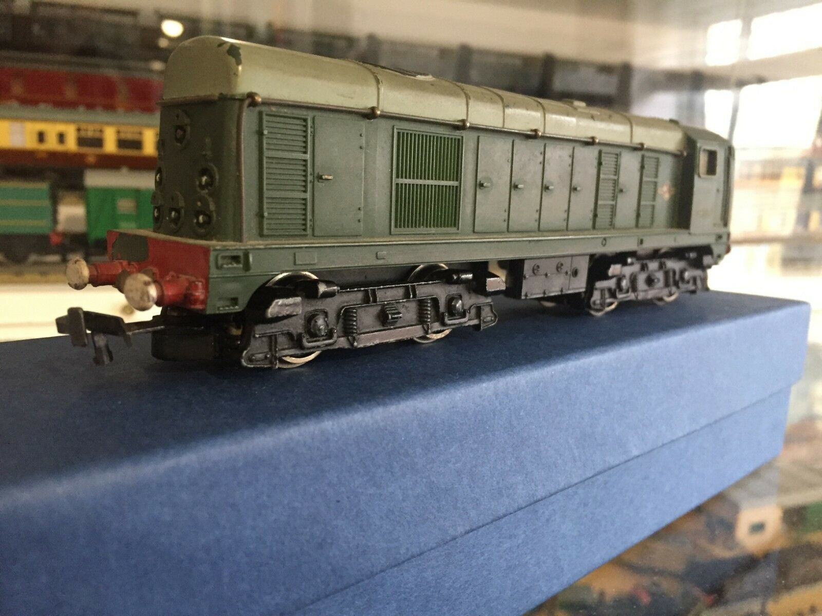 Hornby Dublo Class 20 Bo-Bo 1000BHP diesel electric No.D8013 (2230)