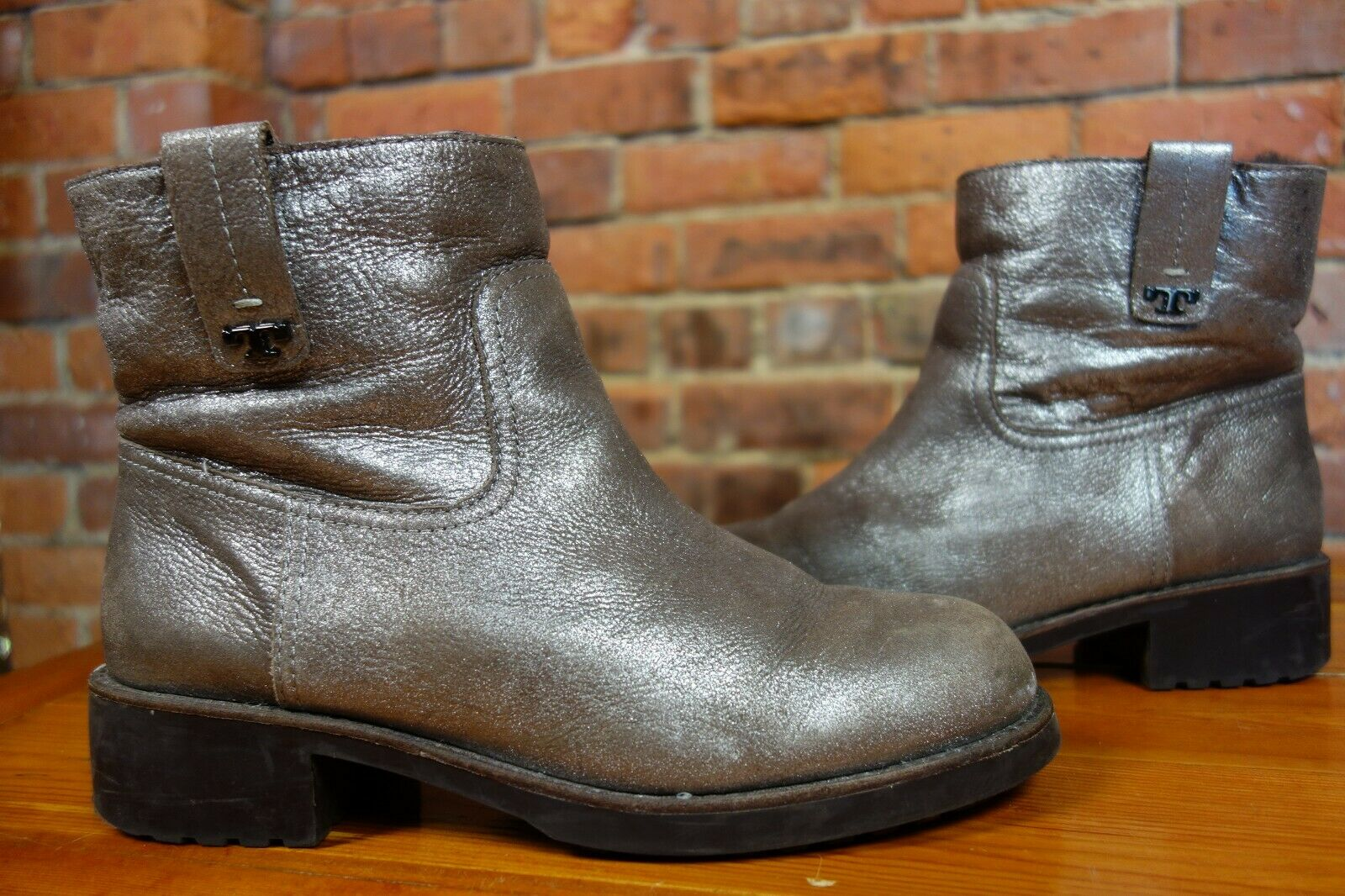 TORY BURCH 'Wayland' shearling-lined metallic sliver boots. Cost  a w 17