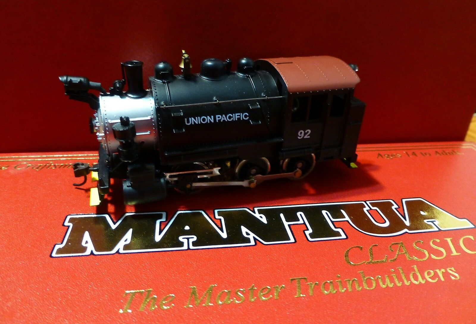 Mantua HO  393005 Mantua 0-6-0 Tank Switcher Union Pacific  NEW IN BOX