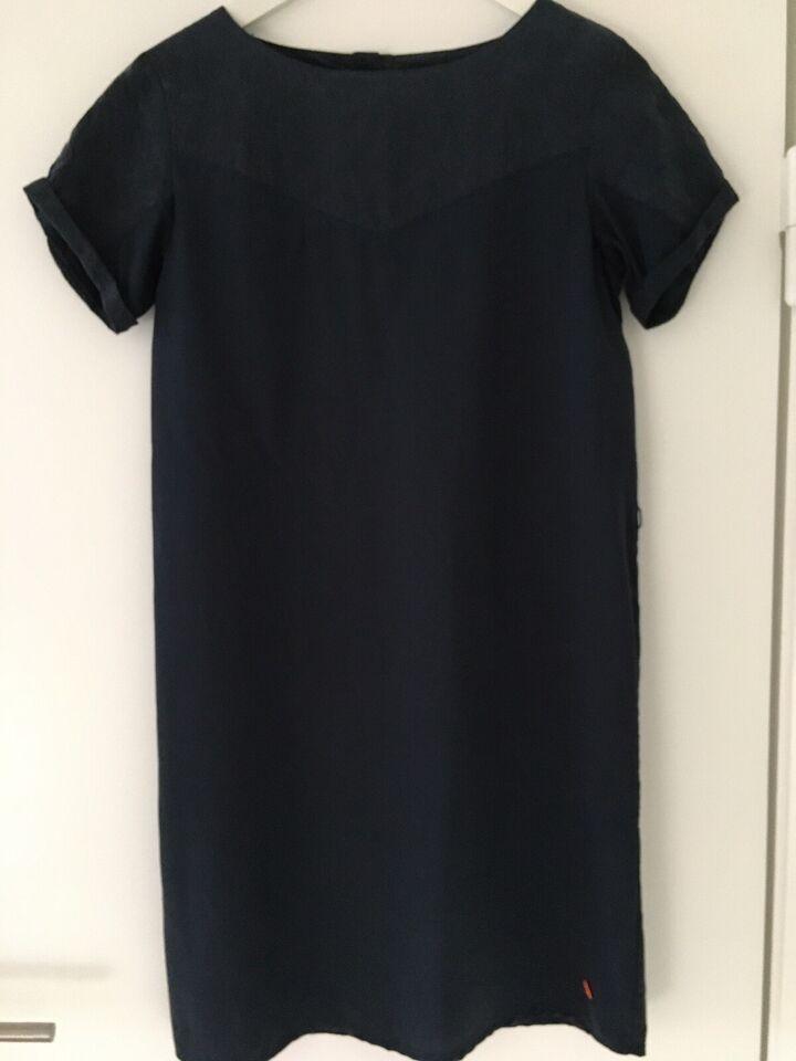 Anden kjole, Skunkfunk, str. S