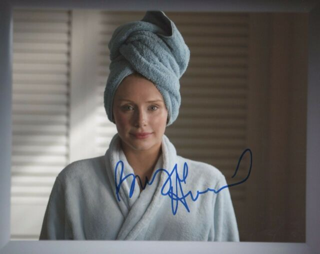 Bryce Dallas Howard Black Mirror Autographed Signed 8x10 Photo COA #5