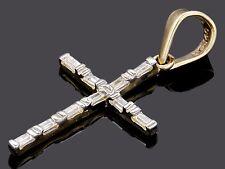 Cruz Colgante con Zirconias .30 ct de 14k Oro Solido de Dos Tonos Reversible